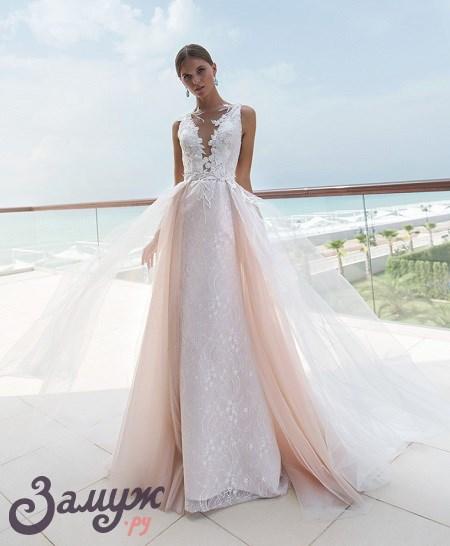 Свадебные платья 2018: Акцент на декольте