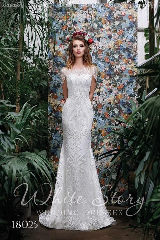 9fa6a15dfaad86a Наш ассортимент удовлетворит вкус любой невесты и кошелёк жениха, так как в  нашем салоне представлены модели свадебных платьев…