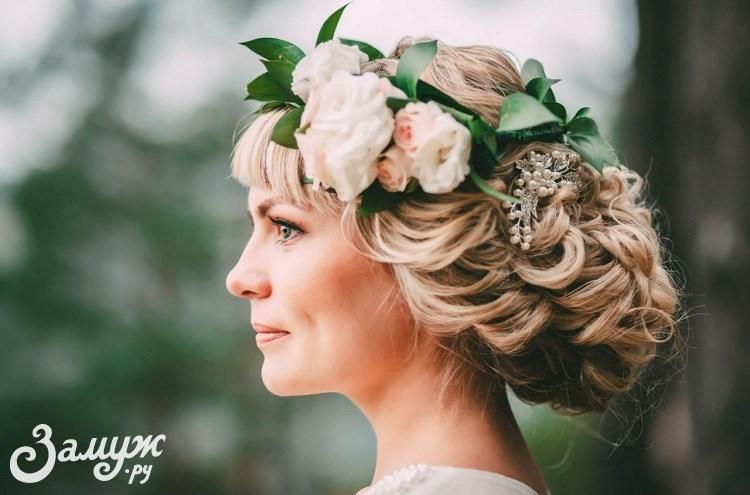 b6ce8d11a7c Свадебные причёски на длинные волосы  30 идей и актуальных фото ...